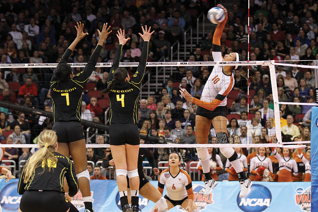 NCAA VOLLEYBALL: DEC 15 Division I Women's Volleyball Championship - Final - Oregon v Texas